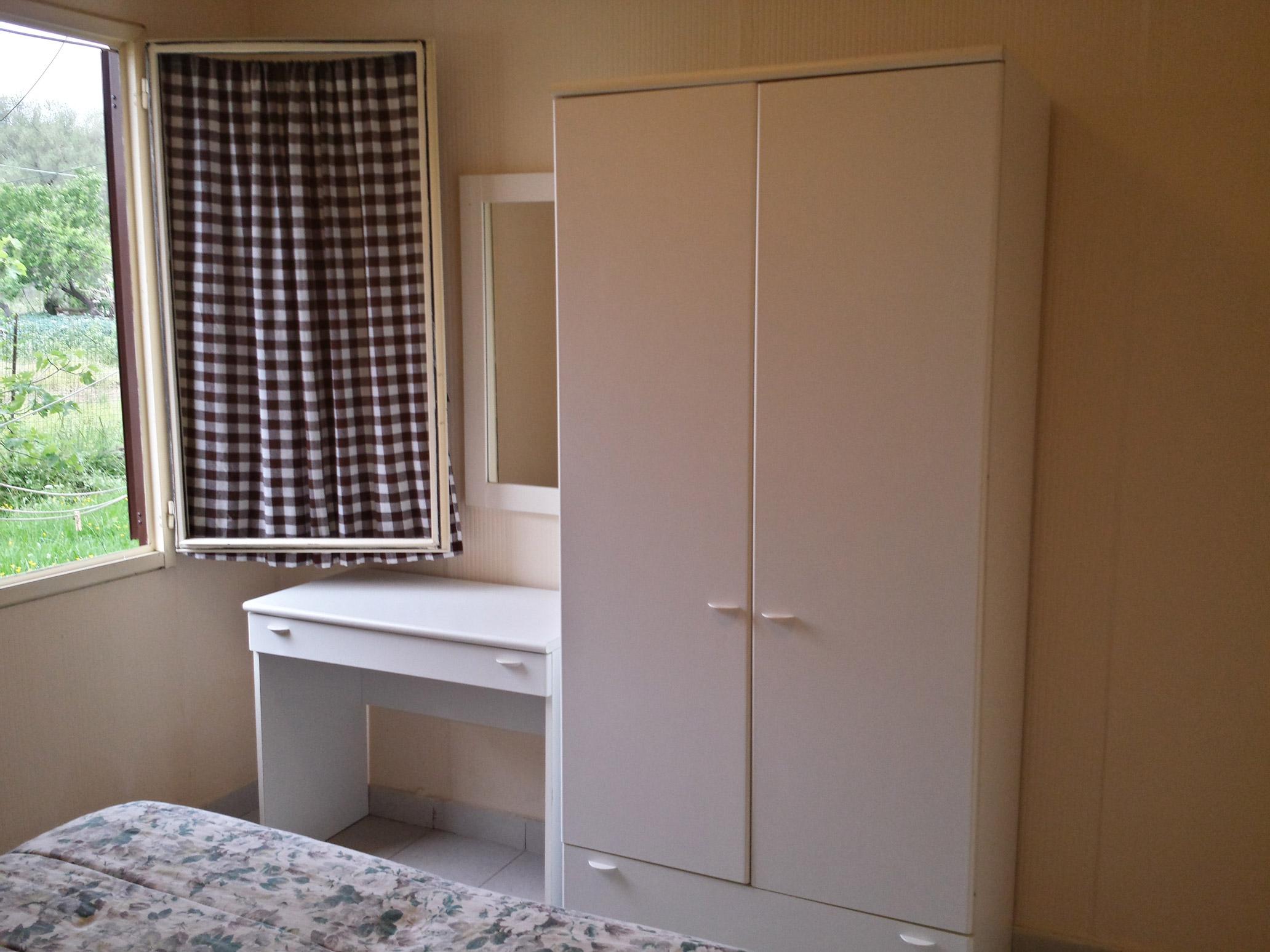 Camere Con Divano Letto : Camere doppie matrimoniali triple miniappartamenti bilo palinuro